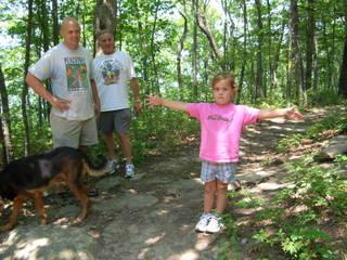 Fort Mountain Park girl describing bear